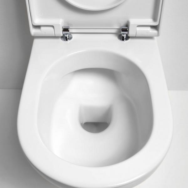 Wandmontiertes WC randlos