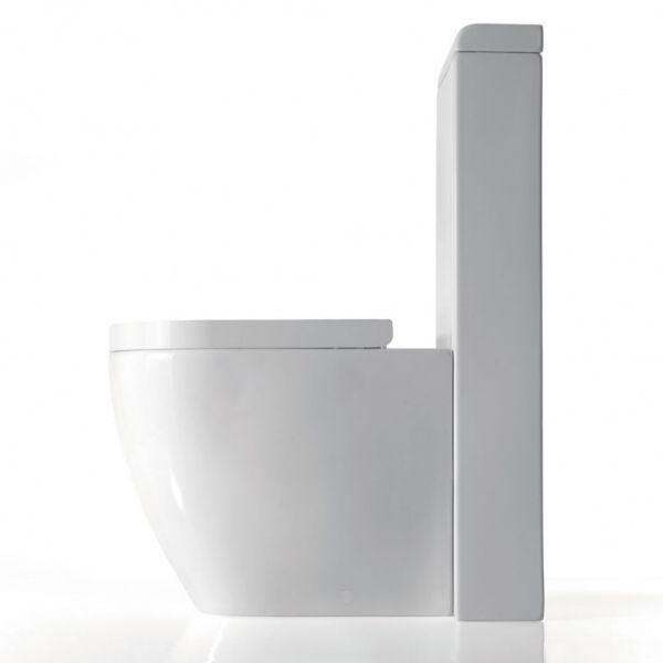 WC mit Monoblock-Spülkasten