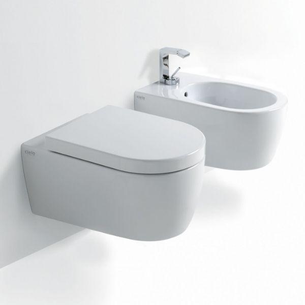 Wandmontiertes WC